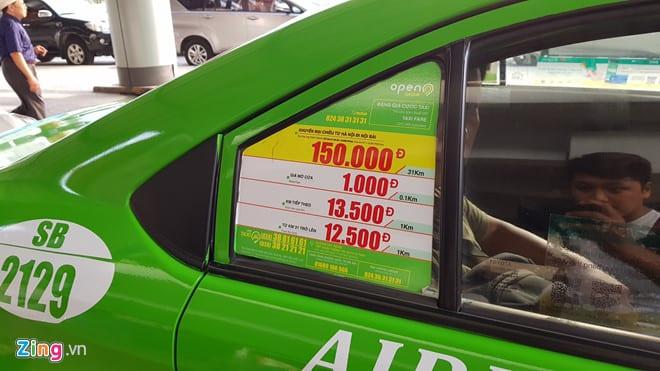 Cuộc chiến cước sân bay của taxi truyền thống và Uber, Grab ở Hà Nội - hinh 2