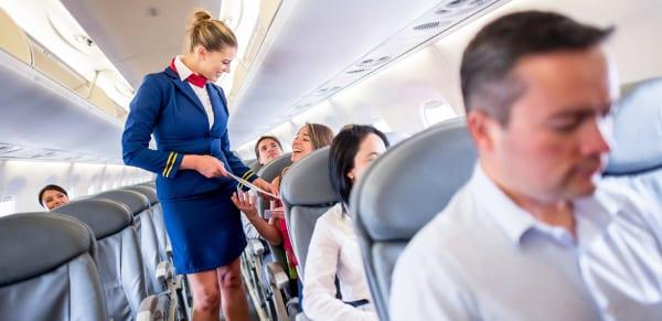 Những mẫu câu tiếng Anh giao tiếp cơ bản khi đi máy bay